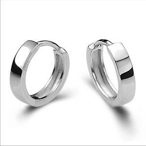 4100104c7 Jewelry - New 925 silver small hoop earrings